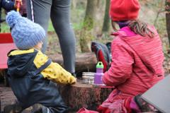 Kinder-beim-Picknick